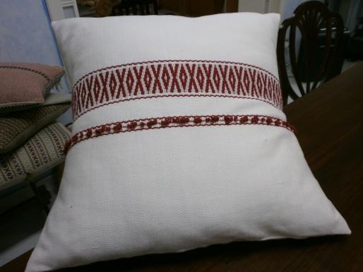 Cuscino tessuto a telaio