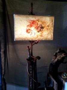 Lampada in legno e nunofeltro